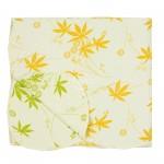 pieno baltumo dvipuse daigstyta lovatiese su zaliais ir geltonais lapais